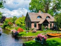 Ngôi làng Giethoorn, không đường đi đẹp như cổ tích ở Hà Lan