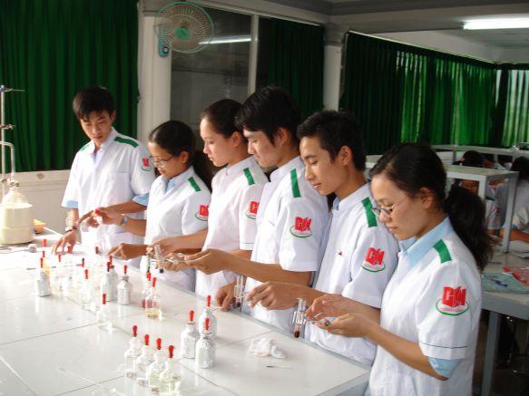 Sinh viên được chú trọng thực tập,thực hành tại CKM
