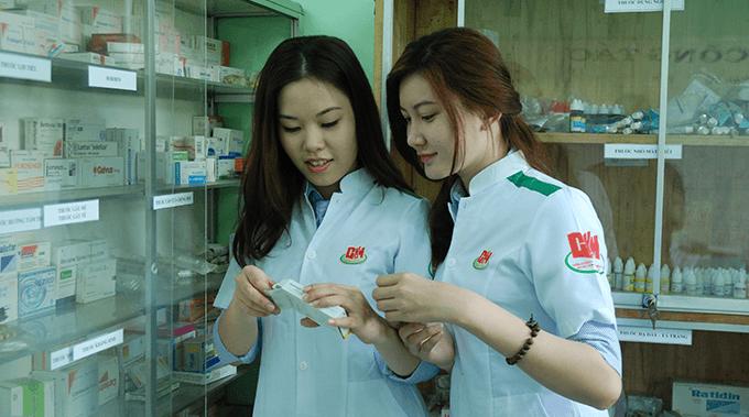 sinh viên ngành Dược sĩ 1