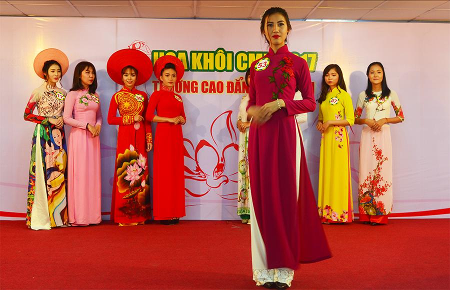 Hoa khôi CMN - áo dài truyền thống