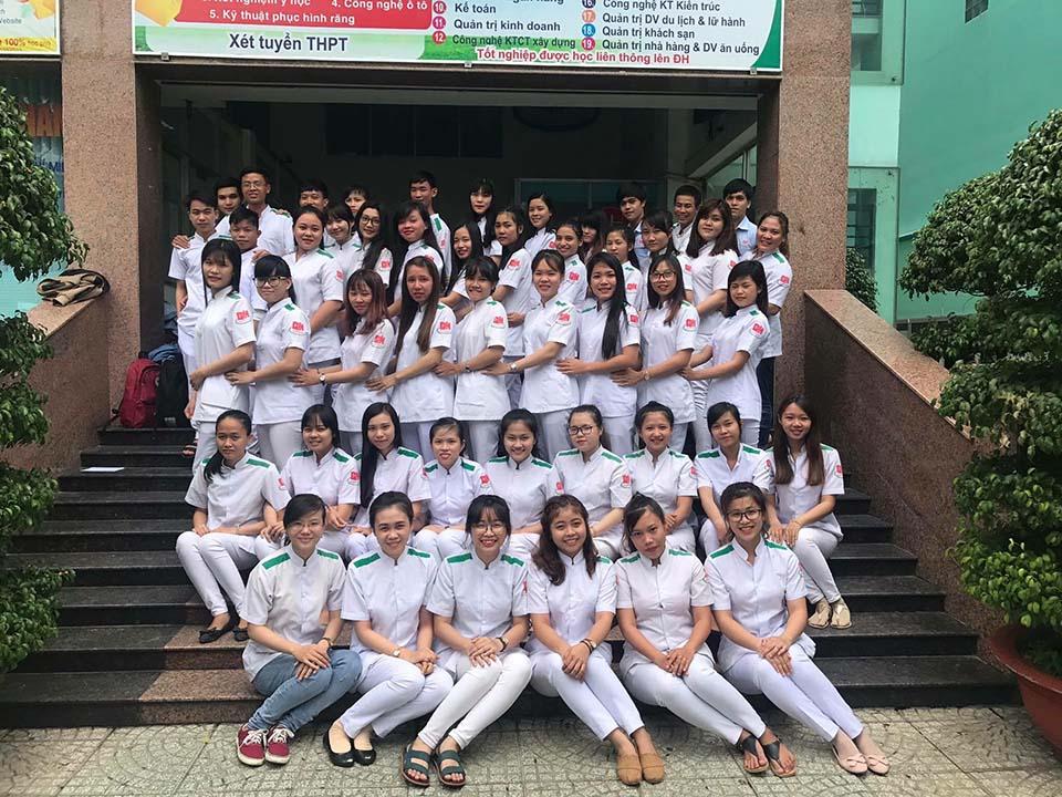 sinh viên ngành Điều dưỡng trường Cao đẳng Miền Nam