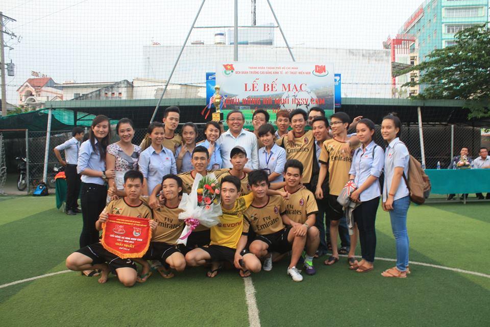 Phong trào hoạt động thể thao của sinh viên trường cao đẳng Miền Nam