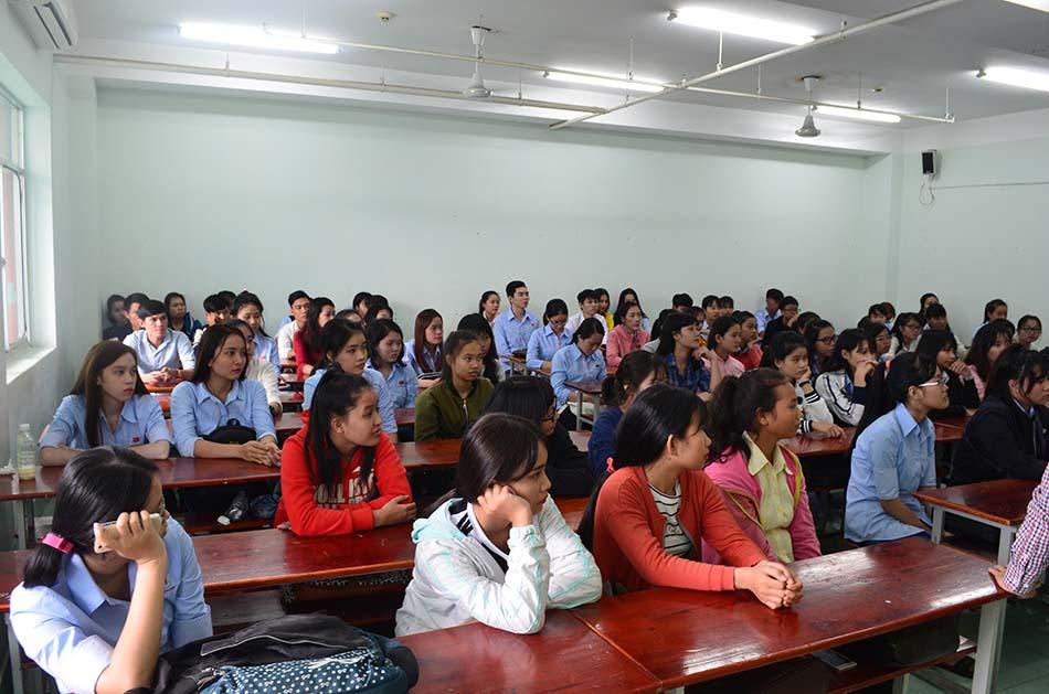 tân sinh viên khóa 2017 nhập học đợt 1