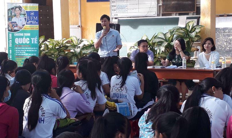 tư vấn tuyển sinh hướng nghiệp tại THPT Long Bình Tiền Giang