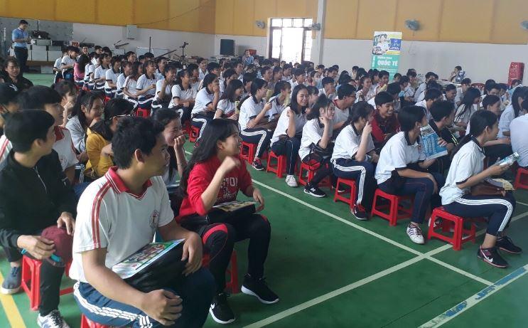 Tư vấn tuyển sinh tại THPT Nguyễn Văn Thìn Tiền Giang