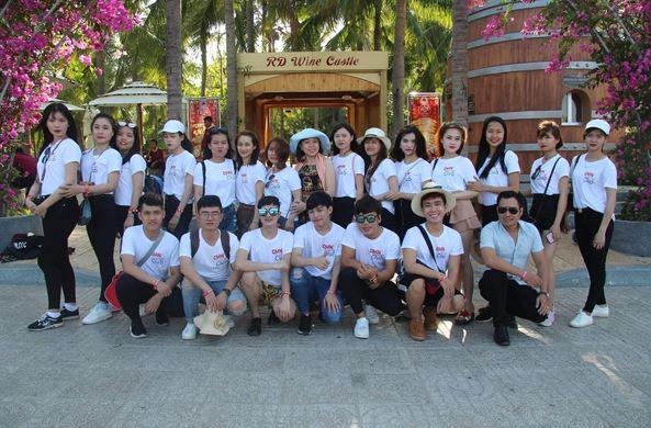 sinh viên khối ngành du lịch nhà hàng khách sạn tại Cao đẳng Miền Nam