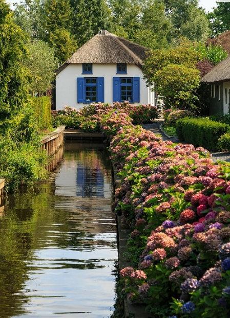 ngôi làng đẹp như cổ tích