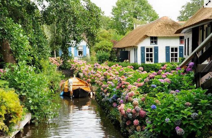 ngôi làng cổ tích