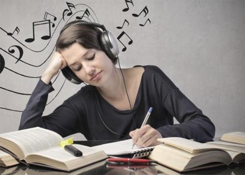âm nhạc giúp sinh viên thư giãn giảm căng thẳng