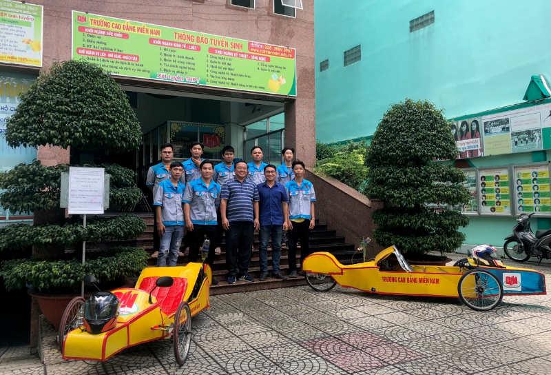 sinh viên ngành CNKT ô tô Cao đẳng Miền Nam