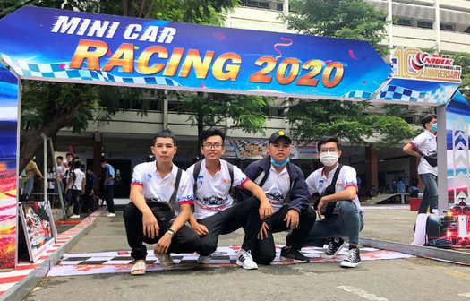 Team tham dự minicar racing của Cao đẳng Miền Nam